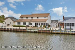827 Wave Dr, Forked River, NJ 08731
