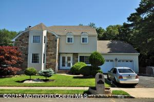 27 Victorian Dr, Old Bridge, NJ