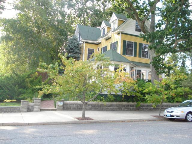 105 Central Avenue Ave, Island Heights, NJ 08732