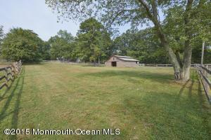 141 Colts Neck Rd, Farmingdale, NJ 07727