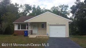 35 Buttercup Ct, Toms River, NJ