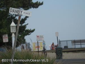11 Danby Pl, Point Pleasant Beach, NJ 08742