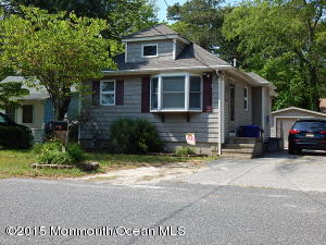 615 Parkside Ave, Toms River, NJ