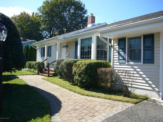 709 Howell Dr, Brielle, NJ 08730