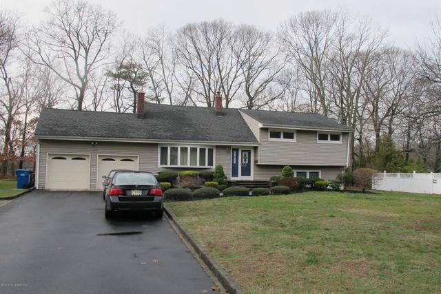 178 Riveredge Rd, Tinton Falls, NJ 07724