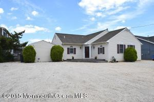636 Newell Ave, Manahawkin, NJ 08050