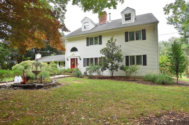 15 Pine Hill Rd, Perrineville, NJ 08535