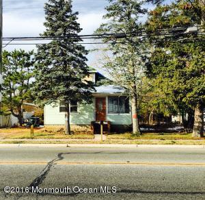 237 E Main St, Tuckerton NJ 08087