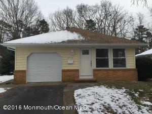 2173 Mount Hope Ln, Toms River NJ 08753
