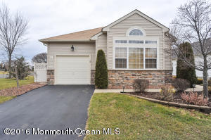 1 Florian Ct, Manchester Township, NJ