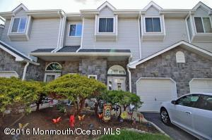 3 Donamar Ln, Laurence Harbor, NJ 08879