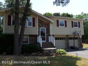 568 Smith Dr, Point Pleasant, NJ 08742