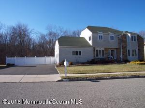 32 Mariposa Pl, Old Bridge, NJ