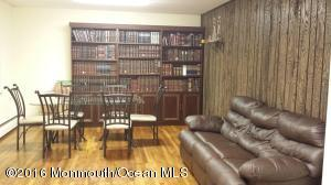 12 Genesee Pl, Lakewood NJ 08701