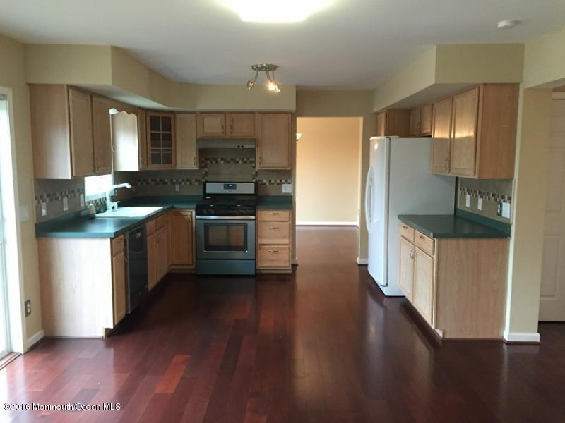 72 Serenity Place, Toms River, NJ 08755
