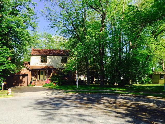 21 Jason Dr, Spring Lake, NJ 07762
