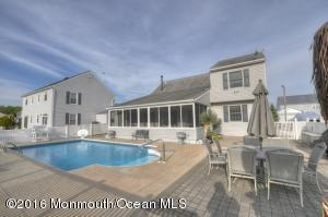 66 Storm Jib Ct, Bayville, NJ 08721