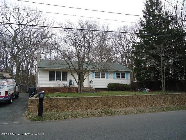 417 Shady Ln, Howell, NJ 07731