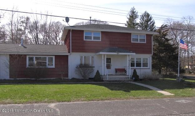424 Riverside Dr, Bayville, NJ 08721