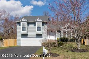 35 Driftwood Dr, Howell, NJ 07731