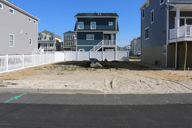 30 Coolidge Ave, Seaside Heights, NJ 08751