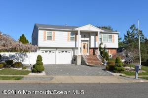 25 Lorelei Dr, Howell, NJ