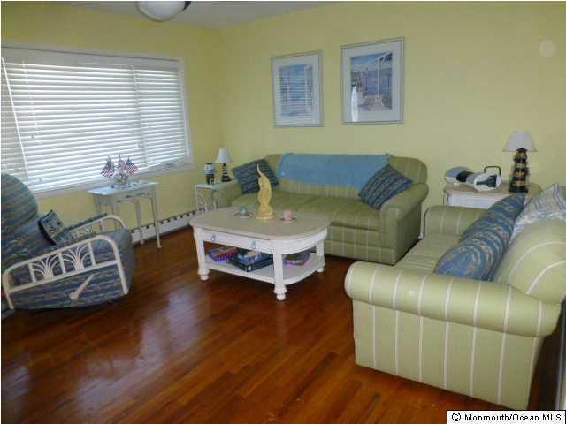 323 Roberts Avenue, Seaside Park, NJ 08752