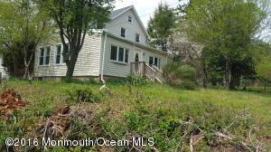 72 Waterworks Rd, Freehold, NJ 07728