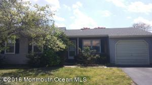 26 Westport Dr, Whiting, NJ 08759