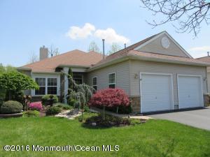 281 Valencia Dr, Monroe Township NJ 08831