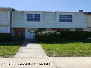 7 Milstone Ct, Sicklerville NJ 08081