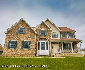 32 Linwood Dr, Monroe Township NJ 08831