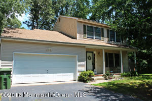 45 Dockage Road, Bayville, NJ 08721