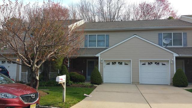 19 Parkside Dr, Spotswood, NJ 08884