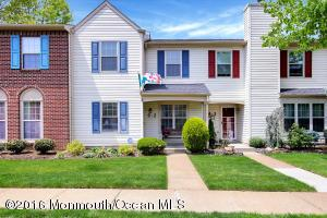 6 Stuart Dr #2, Freehold, NJ 07728