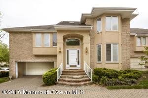 84 Mira Vista Court, Holmdel, NJ 07733
