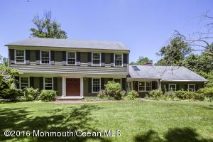 2 Twin Oak Ave, Middletown, NJ 07748