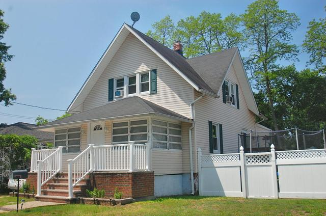 291 Laurel Ave, Hazlet, NJ 07730
