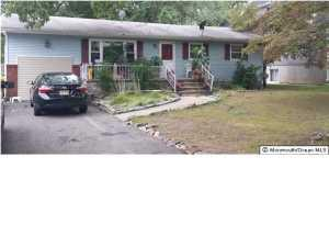 736 S Lake Dr, Lakewood NJ 08701