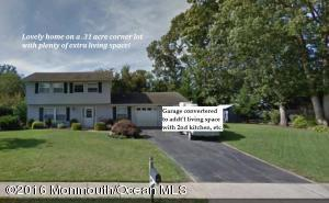 1022 Feathertree Dr, Toms River, NJ