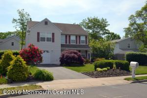 166 Christian Ct, Toms River, NJ 08753