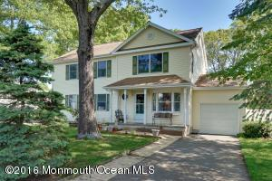 943 Mcguire Dr, Toms River, NJ
