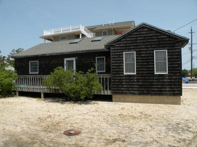 301 Jeffries Ave, Beach Haven, NJ 08008