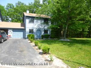 12 Flamingo Dr #APT 1000, Howell, NJ
