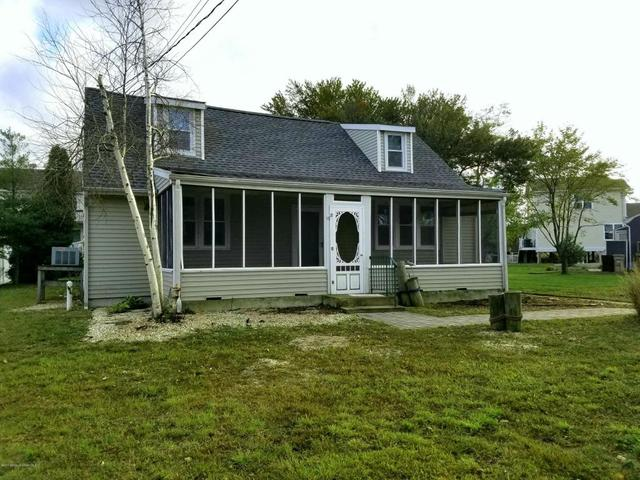 10 Avalon Ave, Bayville, NJ 08721
