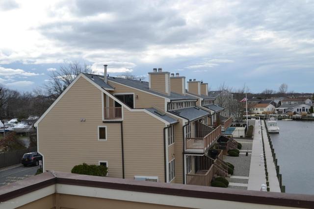 8 Hidden Harbor Dr, Point Pleasant, NJ 08742