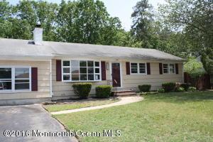 637 Windward Ave, Beachwood, NJ 08722