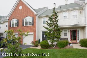 5 Dutch Ct, Holmdel, NJ 07733