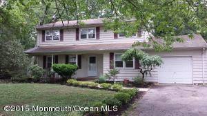 27 Seminole Dr Lakewood, NJ 08701