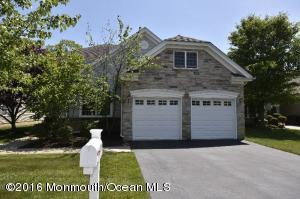121 Crescent Way, Monroe, NJ 08831